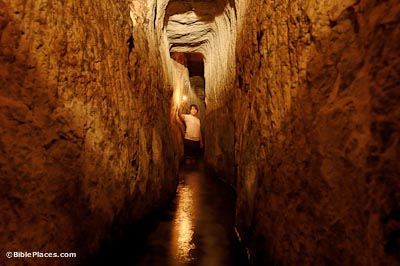 Hezekiah's-Tunnel,-tb110705527-bibleplaces